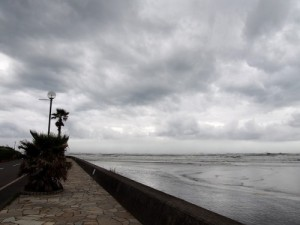 台風26号後の御宿海岸①